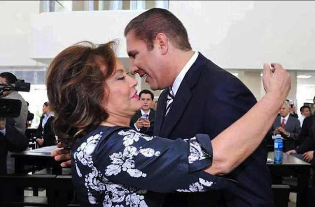 Moreno Valle_Elba Esther