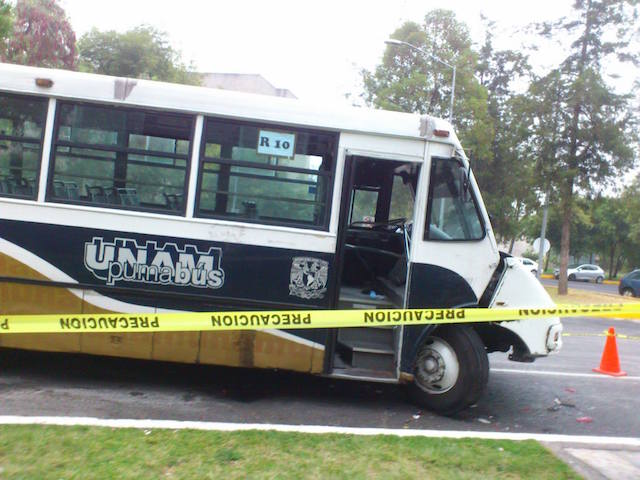 Pumabús que atropelló estudiantes. Foto: Atzin Mora