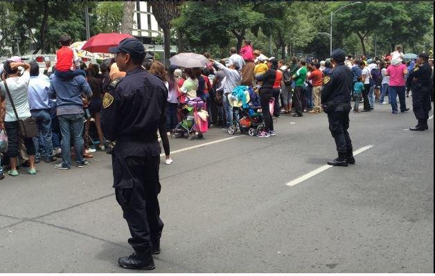 Cierre de avenidas y estaciones por grito y desfile