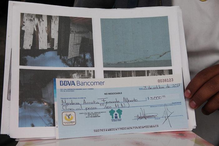 falsos damnificados por el sismo devuelven cheques a la CDMX