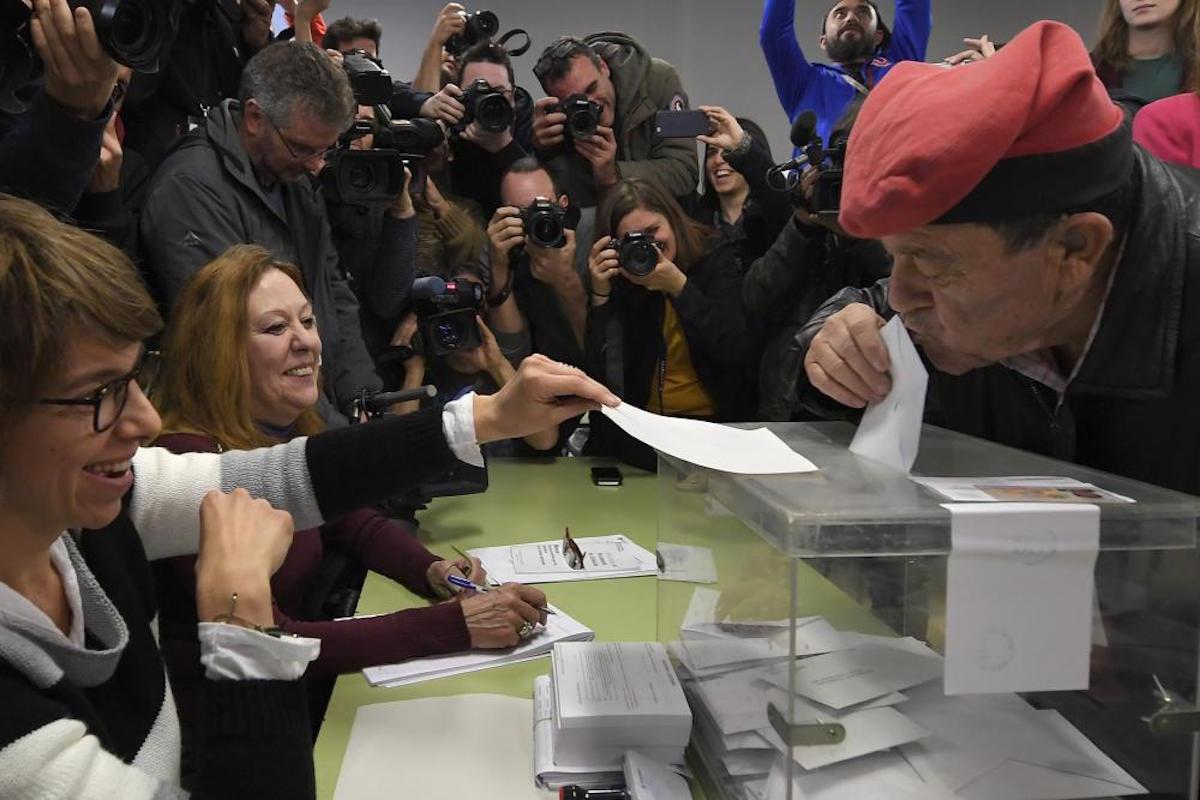 votaciones en cataluña definen independentismo y parlamento