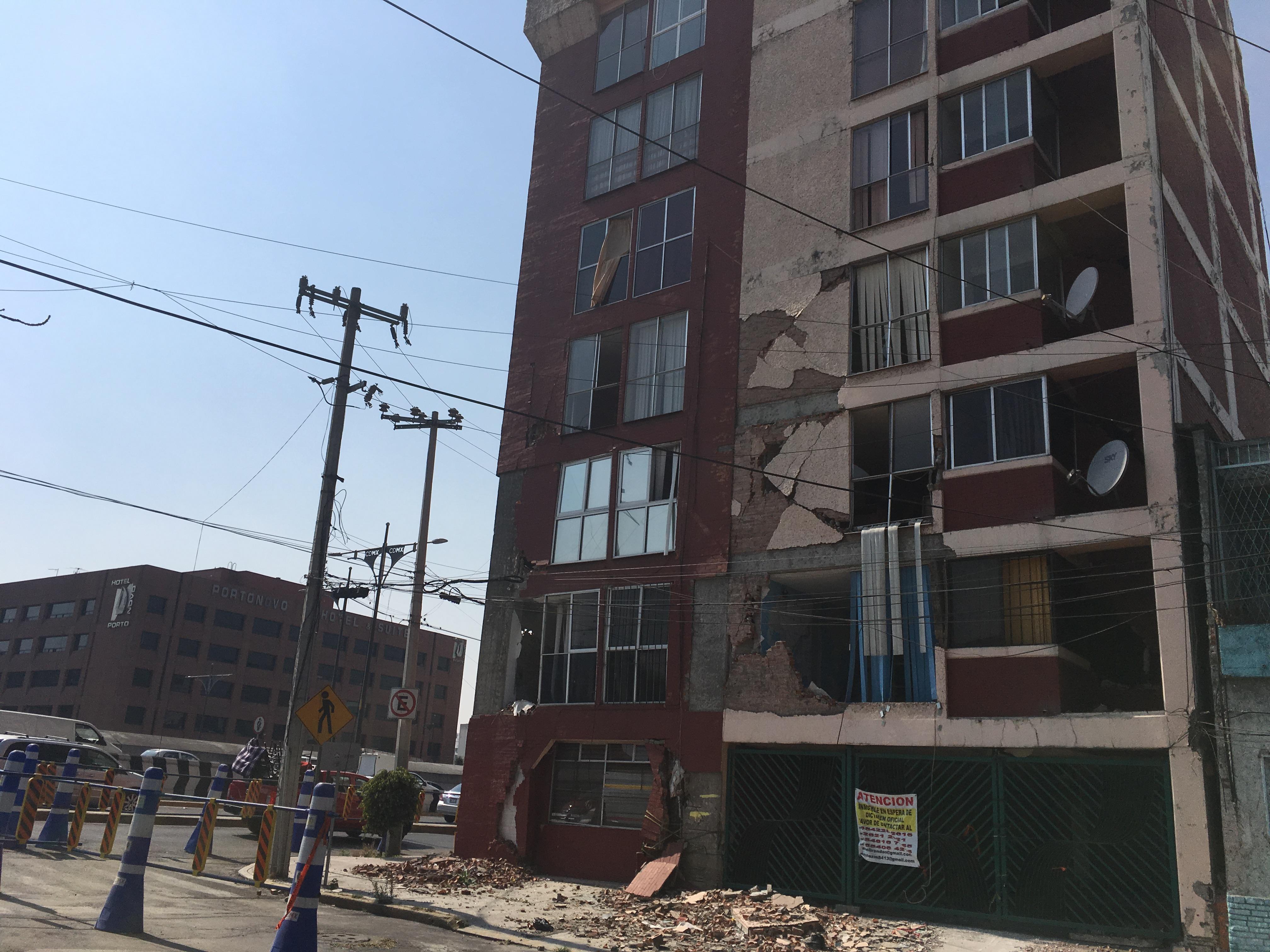 Damnificados por el sismo denuncian vandalismo en edificios en ruinas