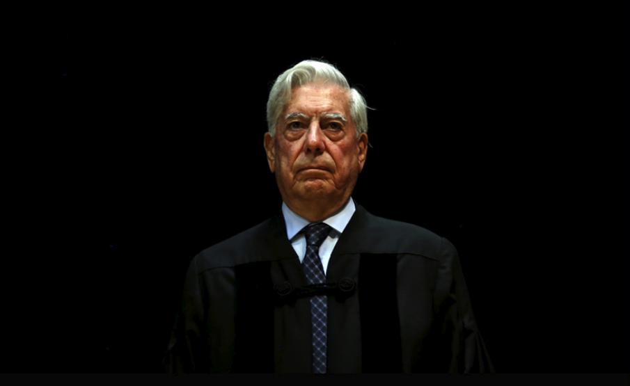 Mario Vargas Llosa ataca a AMLO