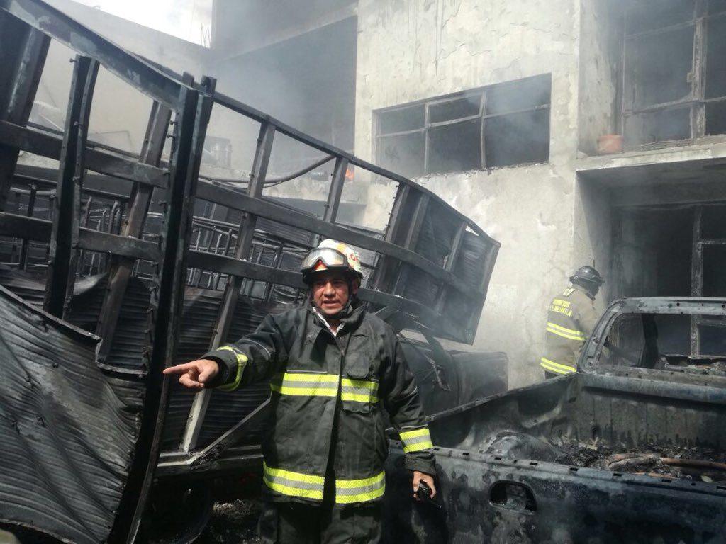 fuerte incendio en la colonia San José de la Escalera