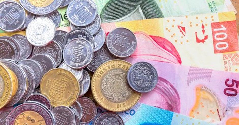 Peso mexicano primera moneda uso global