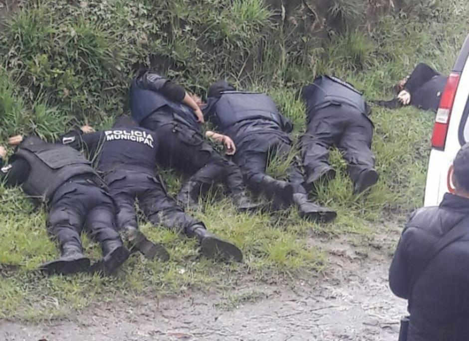 Huachicoleros abaten a 6 policías municipales en Puebla