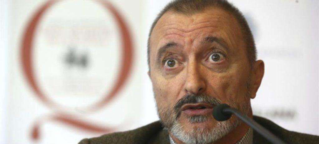 Perez Reverte amenaza: si cambia la constitución, renuncia a la RAE