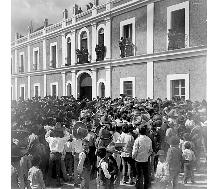 Estallido de la huelga en la fábrica textil de Río Blanco, Veracruz