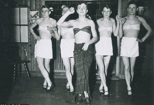 Soldados nazi en ropas de mujer: una práctica común durante la Segunda Guerra Mundial