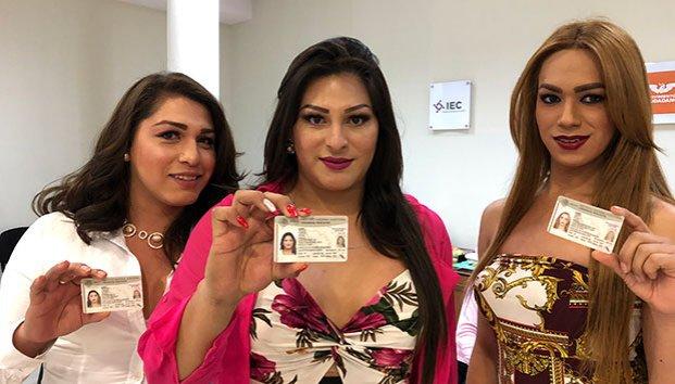 Trans, INE, Coahuila, credenciales, credenciales para votar a trans, INE par trans, derechos electorales de trans, Entregan INE a trans