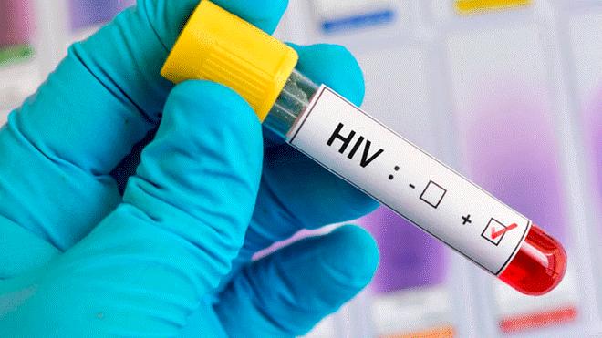 Médico contagió a 65 niños con VIH: usó la misma jeringa