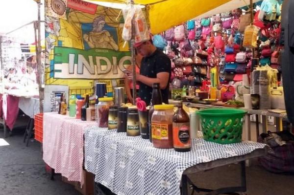 Prohibieron venta de alcohol, celulares y medicinas en tianguis de CDMX
