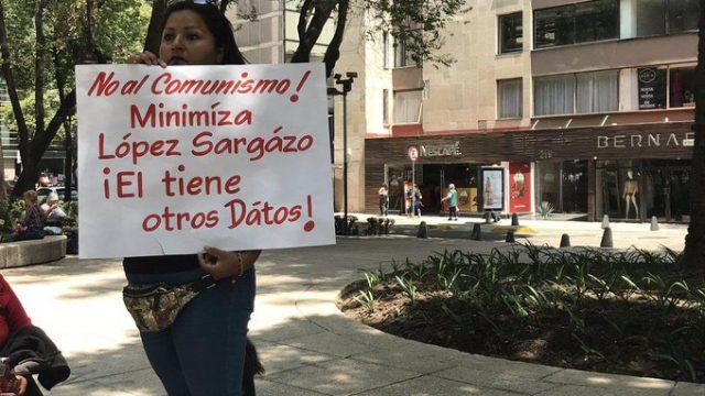Llaman a (otra) marcha contra autoritarismo de AMLO