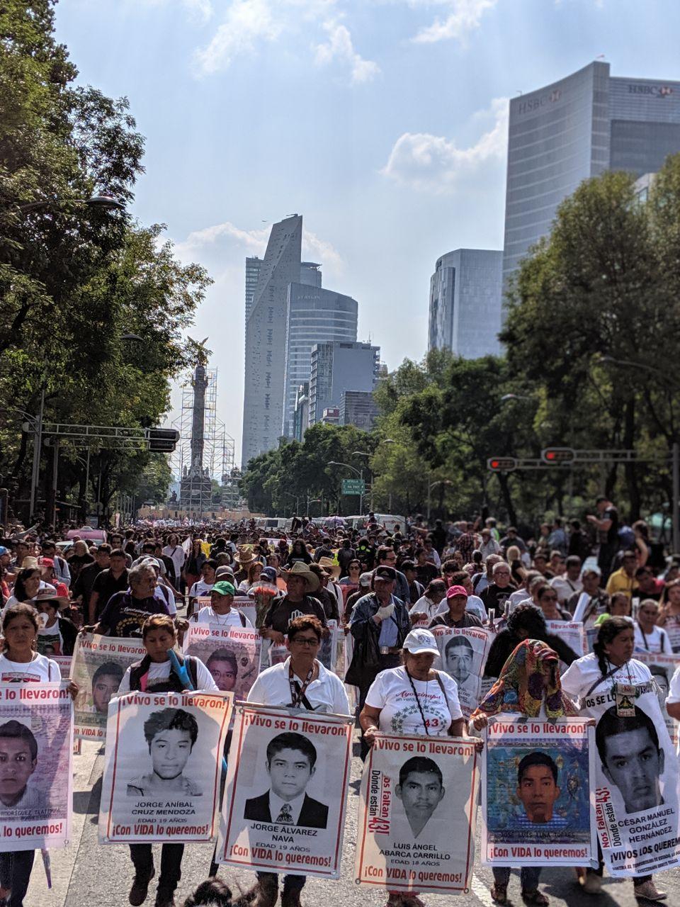 Marcha por 5 años de la desaparición de los normalistas de Ayotzinapa