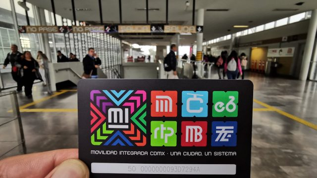 Disponible la tarjeta universal de transporte público CDMX