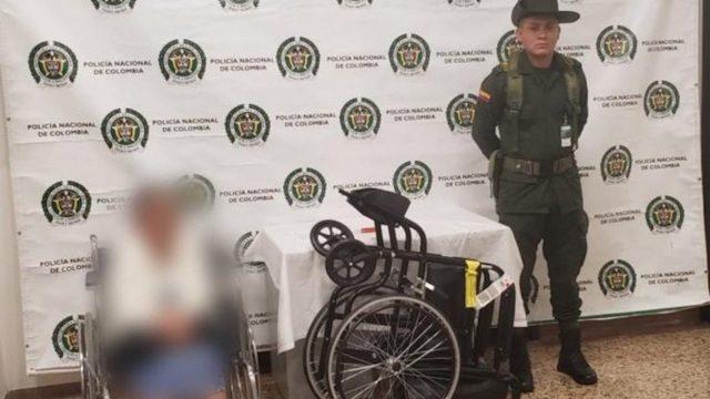 Una ancianita guardaba drogas en su silla de ruedas y fue arrestada