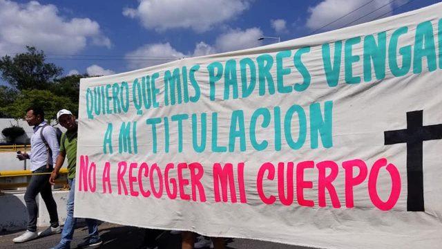 Estudiantes de Celaya marchan para exigir seguridad