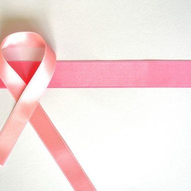 30/9/28 vacuna-cáncer-mama-desarrollan/ lazo rosa